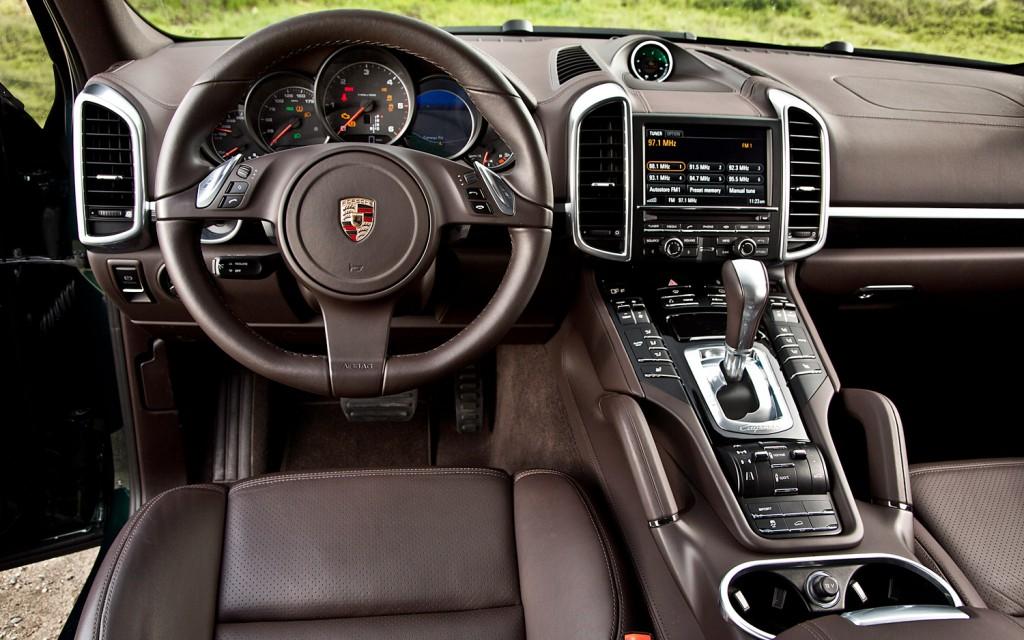 2013-porsche-cayenne-diesel-cockpit